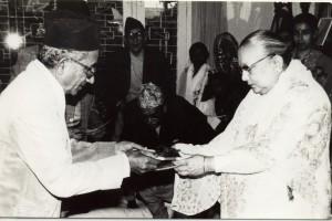 २०३९ सालको मदन पुरस्कारद्वारा सम्मानित 'माधवी'का स्रस्टा श्री मदनमणि दीक्षित
